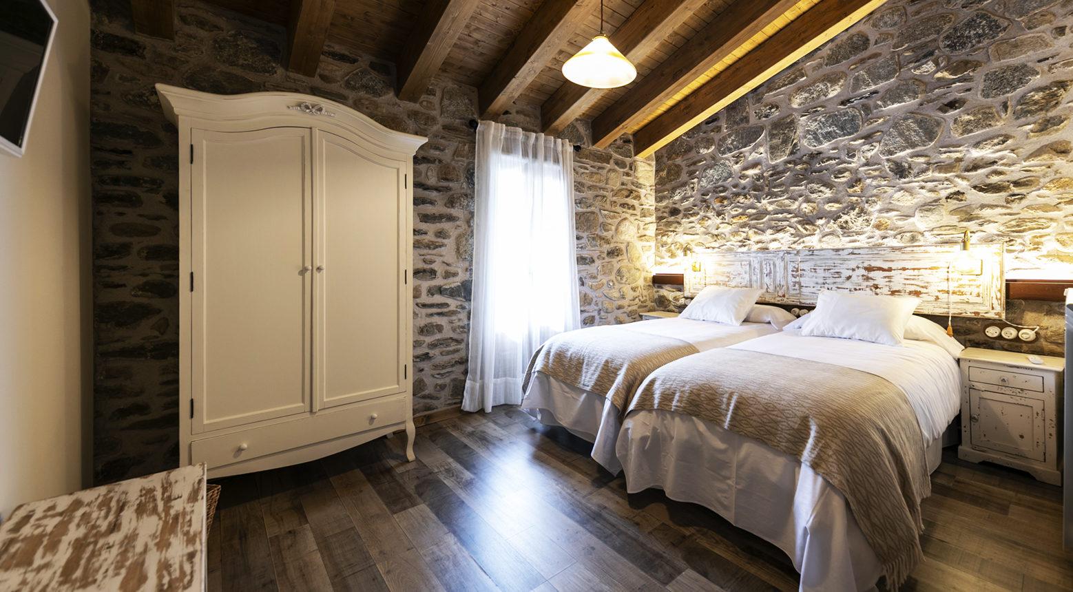 habitación doble con baño13