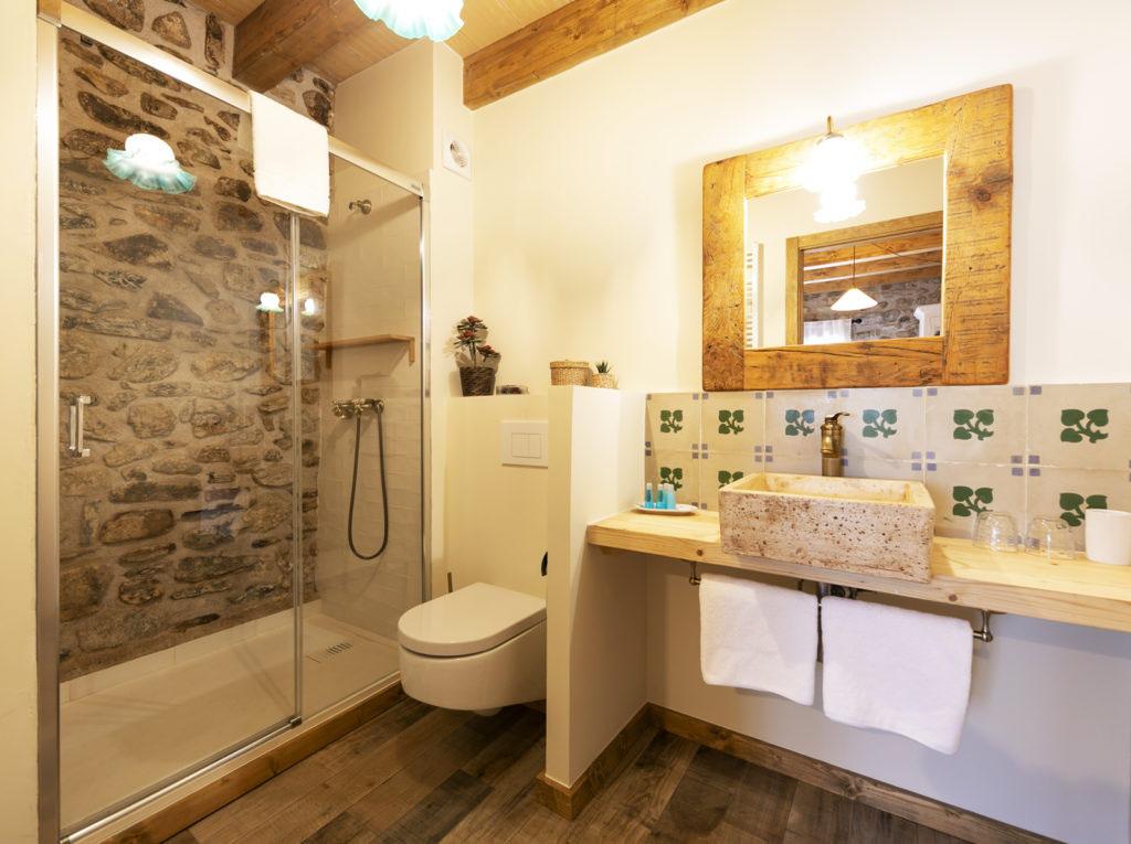 baño habitación doble Sport House Nord Sud en Vilallonga de Ter (2)
