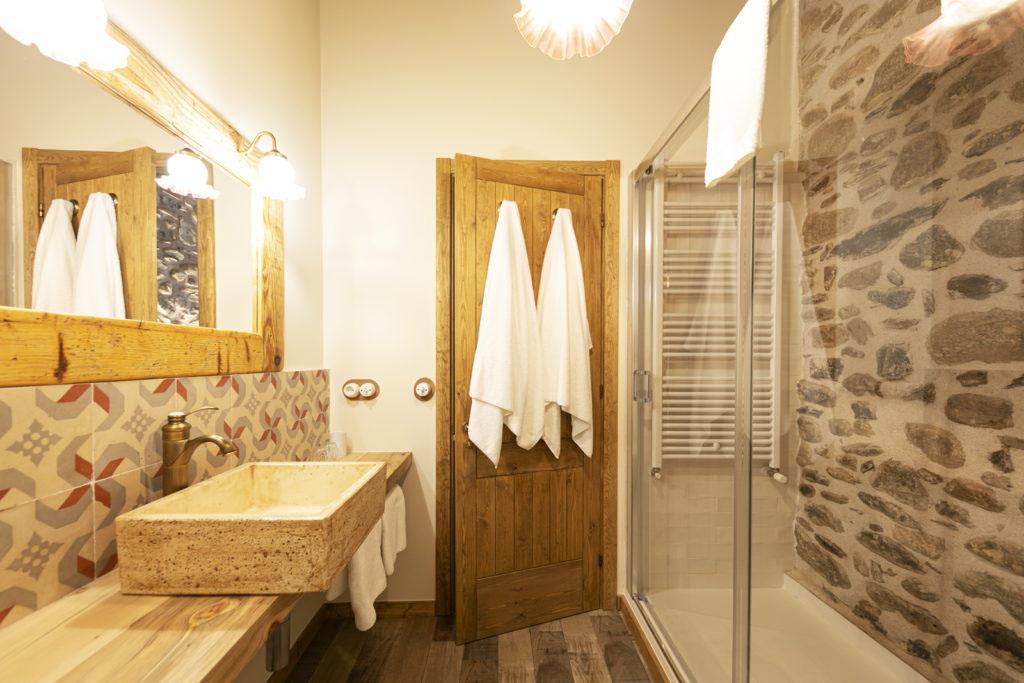 baño habitación doble Sport House Nord Sud en Vilallonga de Ter (4)