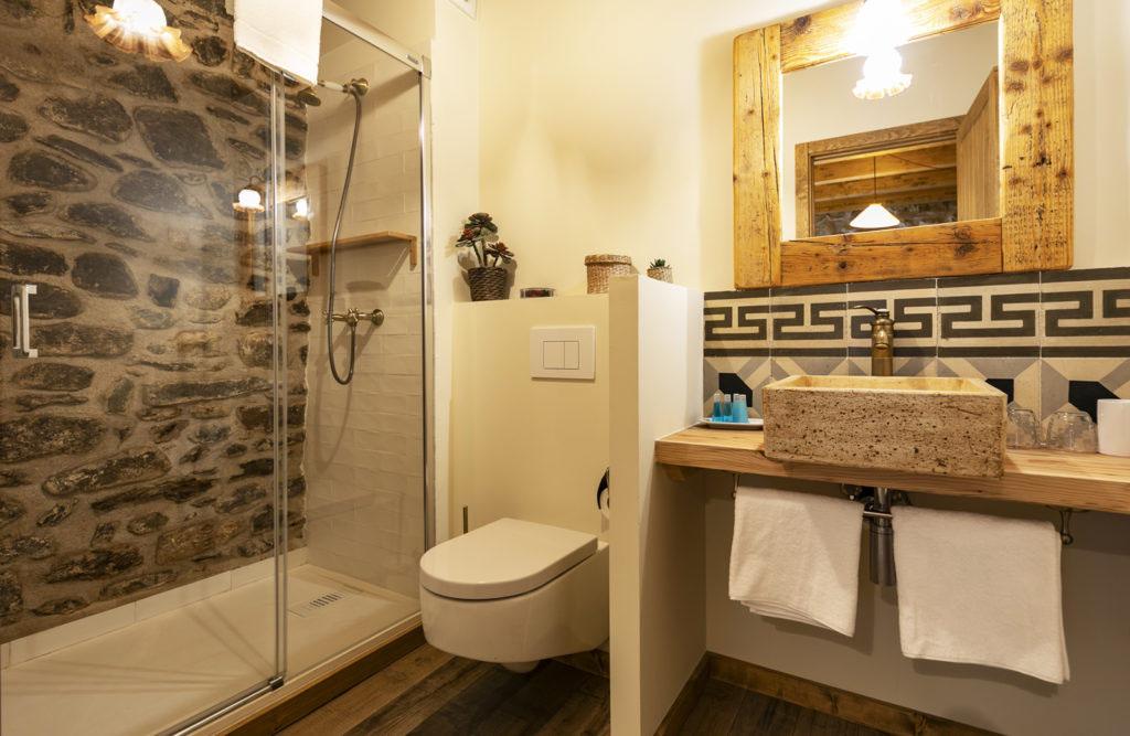 baño habitación doble Sport House Nord Sud en Vilallonga de Ter (5)